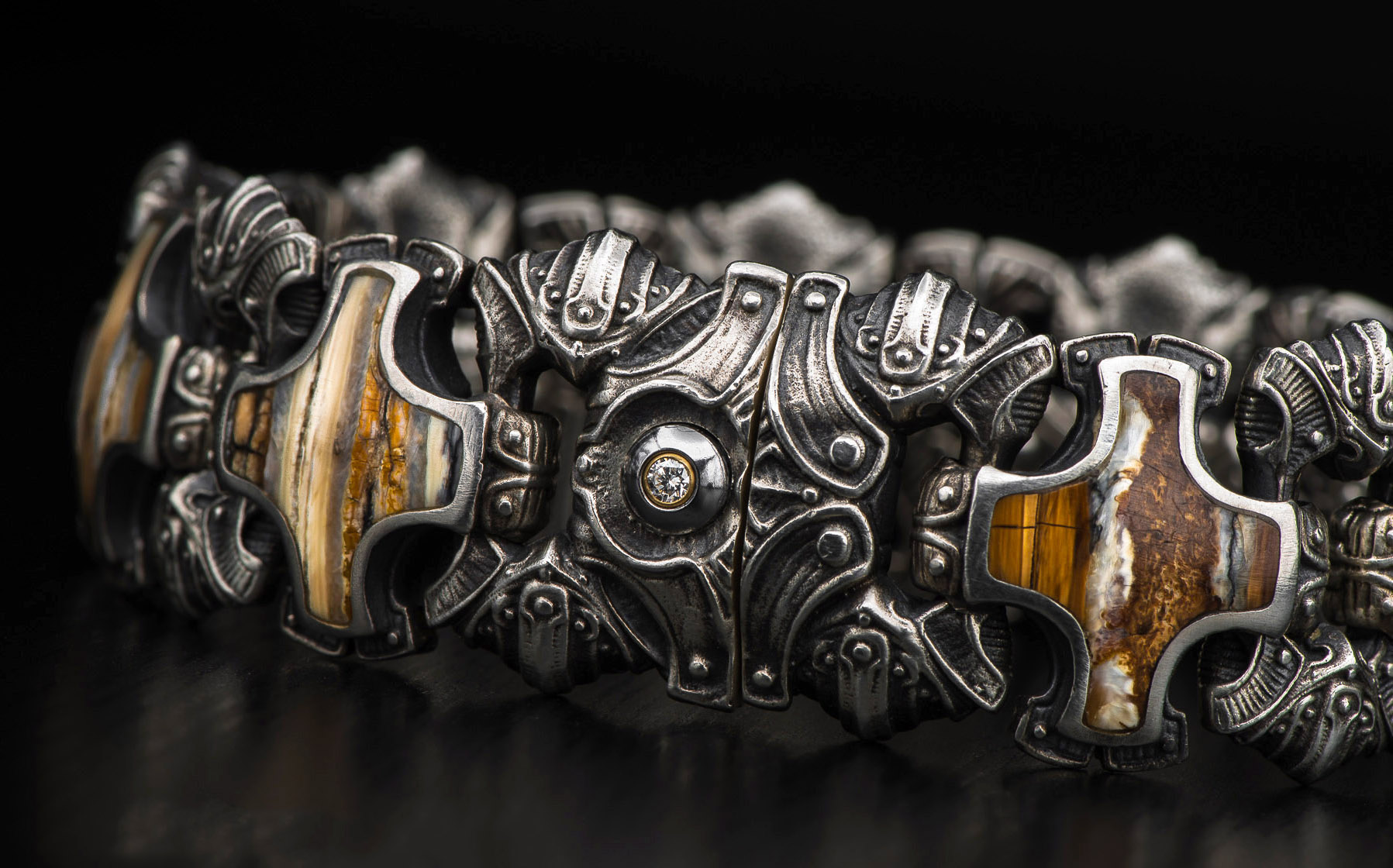 6f9cdb611cb73 Men's Designer Bracelets | Expertly Crafted Luxury from William Henry